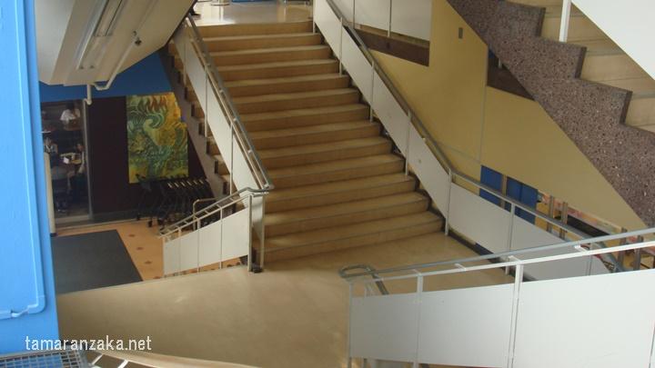 西友国分寺店 階段